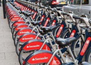 Londen santander cycles fietsen in dockingstation